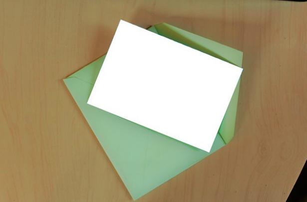 Opvallende-kleur-envelop